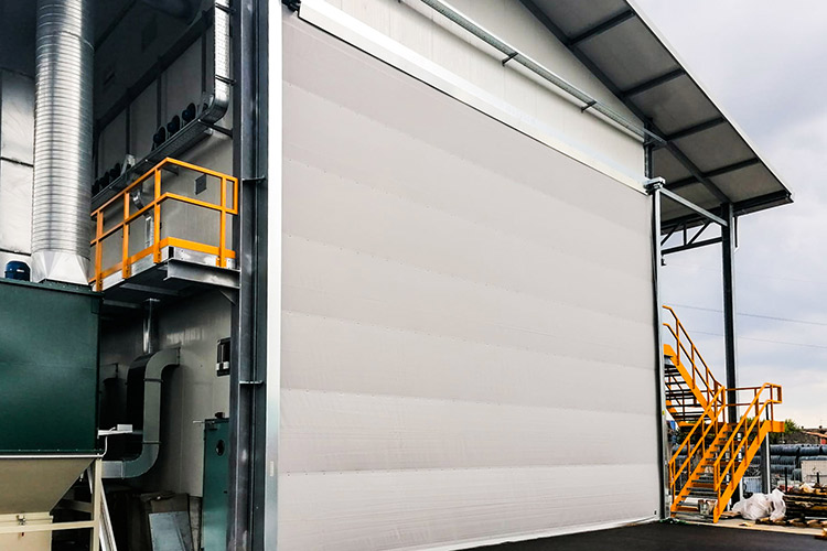 Isothermal double skin curtain doors